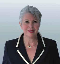 Eva-Maria Popp. Autorin und Verlagsleitung.