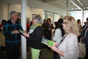 Autogramm- und Signierstunden zum Buch Frauenwege zum Erfolg nach einem Vortrag für die AOK